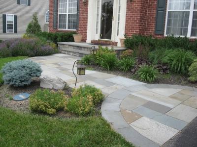 Front Landscape & Flagstone Walkway