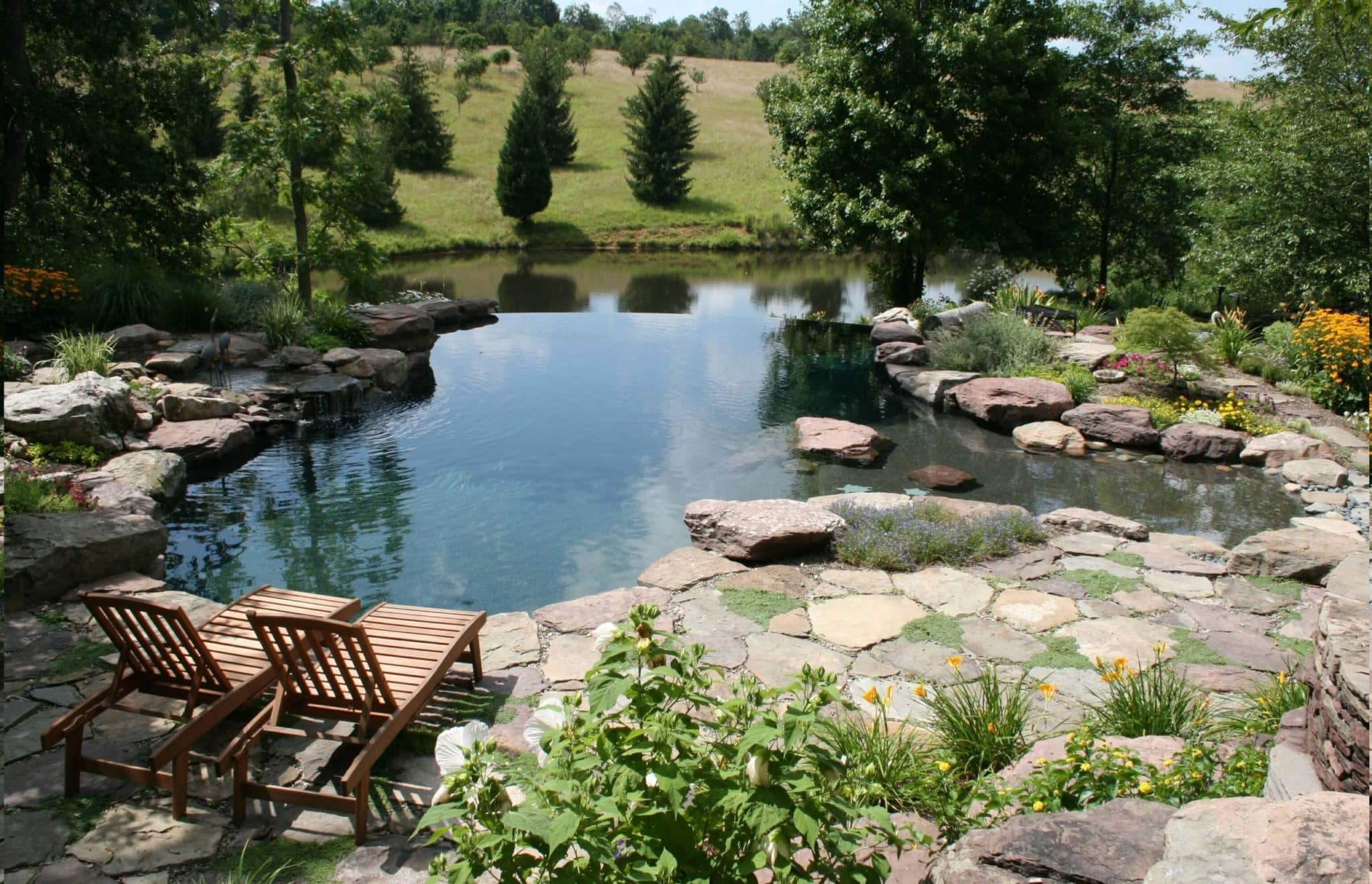 115 Nature-Inspired Pool with Vanishing Edge
