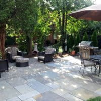 15 Informal Flagstone and Gravel Patio