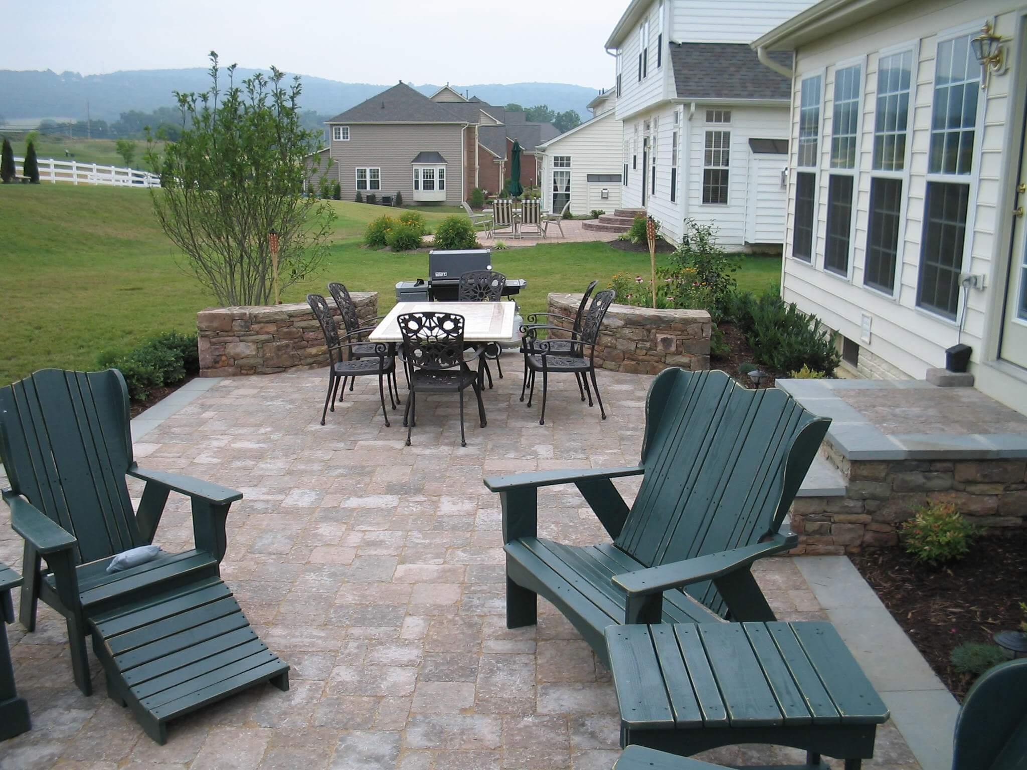 2 Paver Patio with Stone Landing and Double-Sided Stone Accent Walls