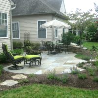 442 Flagstone Patio and Stone Sitting Wall