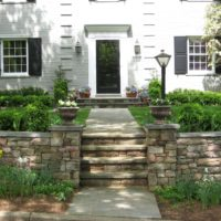 464 Elegant Front Flagstone Entry with Stone Retaining Walls Capped in Flagstone