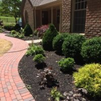 550 Front Brick Walkway in Running Bond with Border
