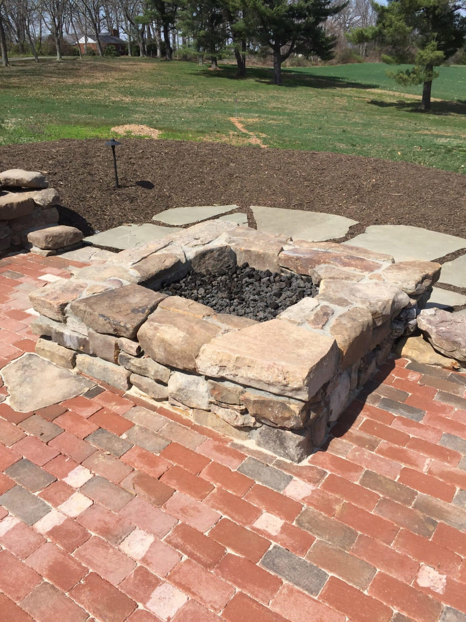 594 Square Gas Firepit with West Virginia Fieldstone and Black Lava Rock