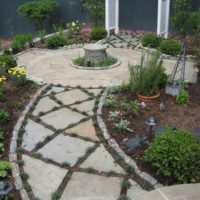 Flagstone Walkway with Planted Joints